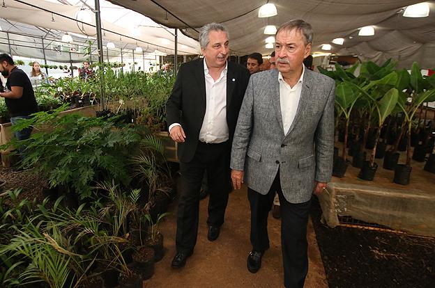 El-gobernador-Juan-Schiaretti-en-Misiones_6528