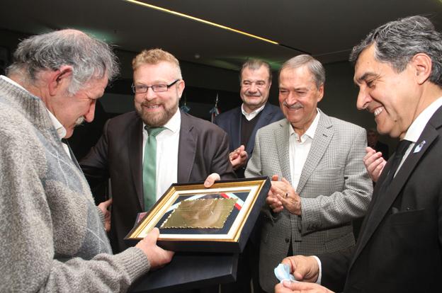 Reconocimiento a los doctores Gabriel Rabinovich y Carlos Landa